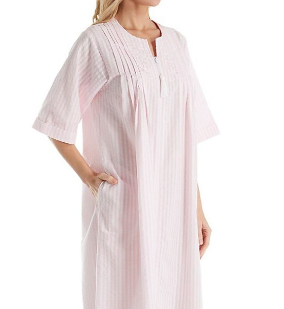 Miss Elaine Seersucker Short Sleeve Long Zip Robe 862606